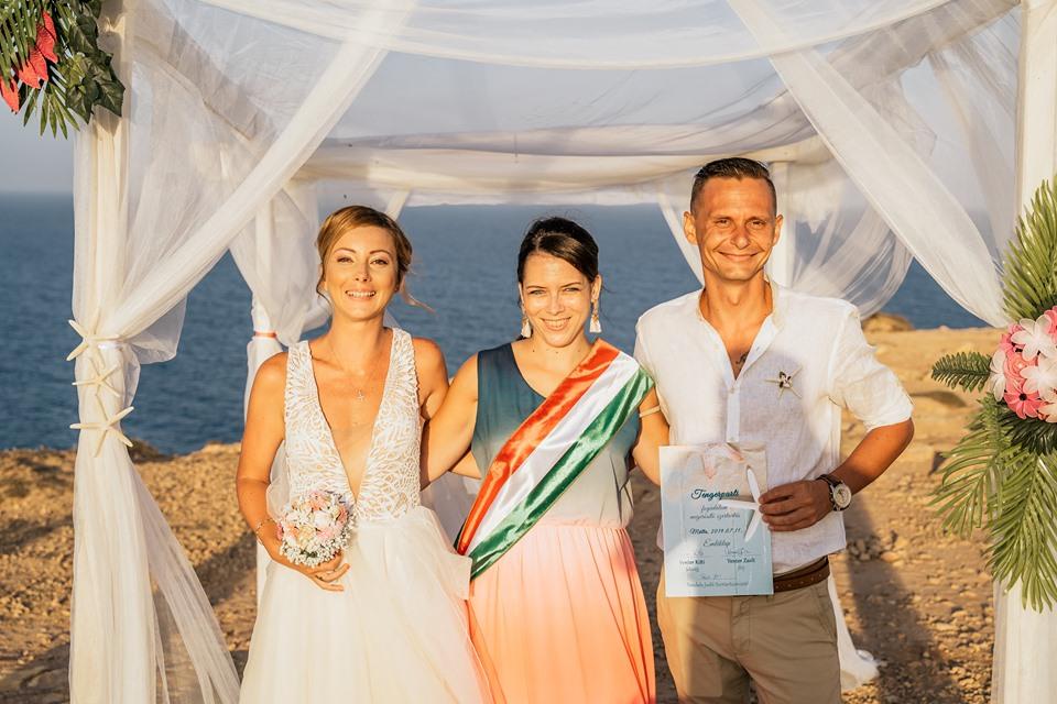 tengerparti esküvő Máltán