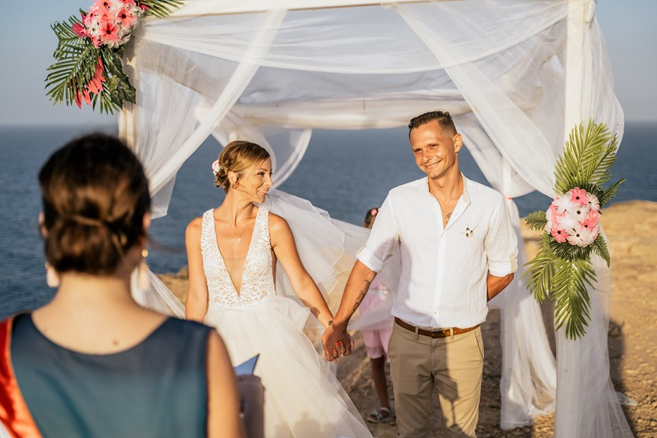 esküvő a tengerparton